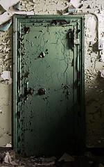 Advisor's vault door